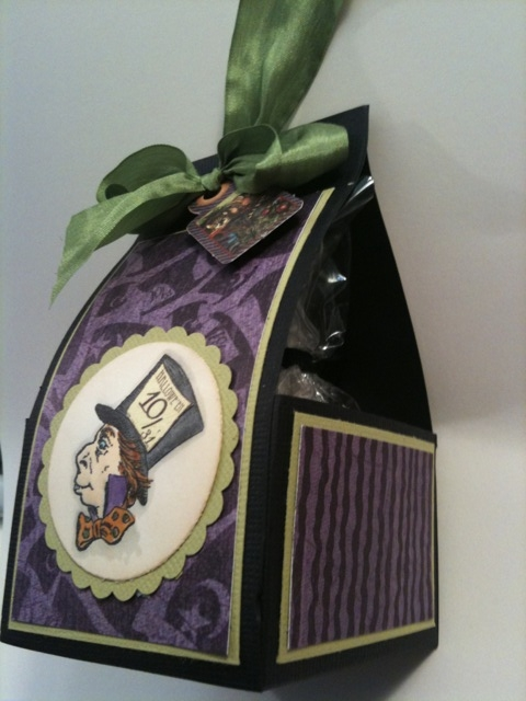 MadHatterTreatBox-SideView